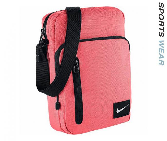 Nike Core Small Item II